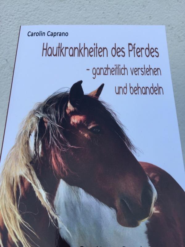 Rezension & Gewinnspiel: Hautkrankheiten des Pferdes [werbung]